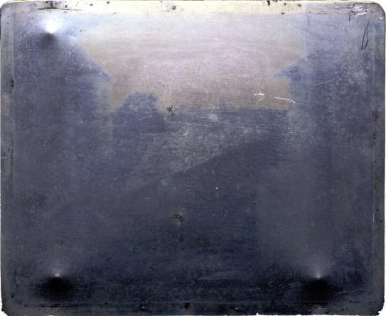 Nicéphore Niépce, Point de vue du Gras, héliographie, 1827.