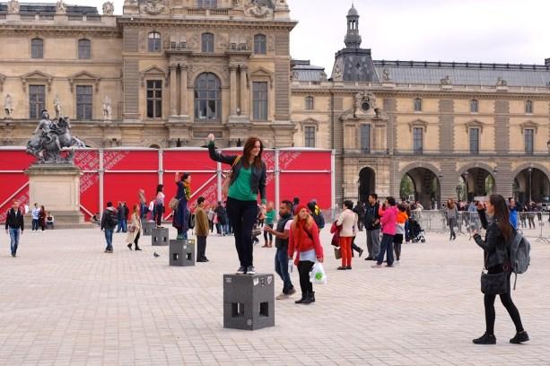 Pyramide du Louvre.