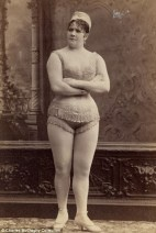 Vintage burlesque photos from the 1890s (11)