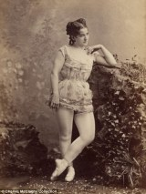 Vintage burlesque photos from the 1890s (12)