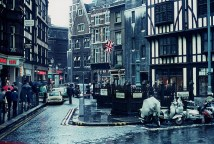 Photographs of life in London in the 60's (16)