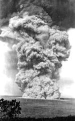 0820. cloud is now over 3.7 km high-three lightning bolts observed in the column-(USGS)-1924