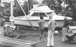 1975-Keauhou_Bay
