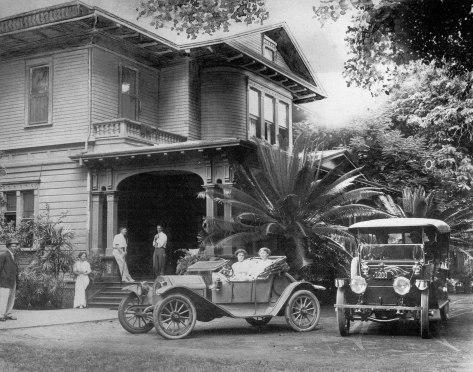 Ainahau-when used as hotel-cars-1915