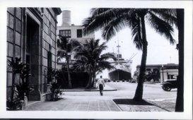 Bishop_Street_Looking_Makai-Dillingham_Transportation_Bldg-1940
