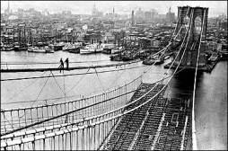 Brooklyn_Bridge-under_construction