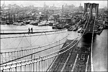 Brooklyn_Bridge-under_construction