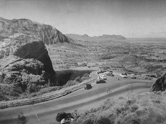 Cars, Pali Lookout, R. Wenkam-(HSA)-ca. 1945