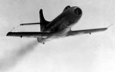 Douglas-D-558-I-Skystreak-low-pass