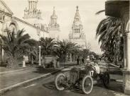 Eddie_Rickenbacker_-_Maxwell_-_San_Francisco_1915