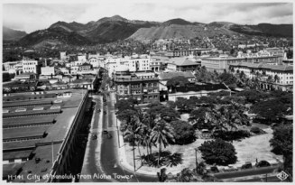 Fort St. Irwin Park and Honolulu from Aloha Tower-PP-39-5-002-1940