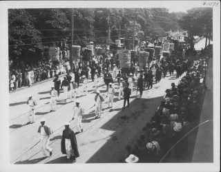 Funerals - Queen Liliuokalani - Procession, Nuuanu Avenue-PP-26-8-033