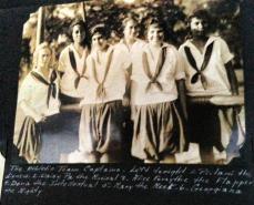 Girls_Uniform-1920s
