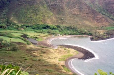Halawa Valley shoreline and cove