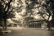 Hanahauoli-First_Buildings-1921-(hanahauoli)