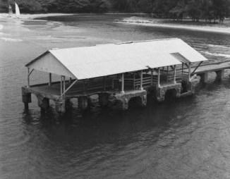 Hanalei_Pier,_Hanalei_Bay_off_Weke_Road,_Hanalei_(Kauai_County,_Hawaii)-(WC)-1978