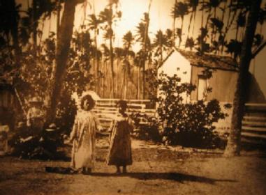 Hawaiian_children_dancing_hula,_ca._1890,_photograph_by_Charles_Furneaux