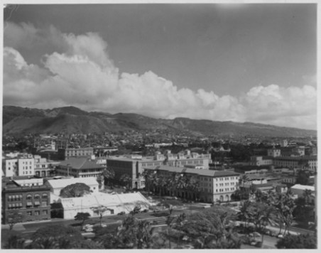 Honolulu from Aloha Tower-over Irwin Park-PP-39-7-025-1953
