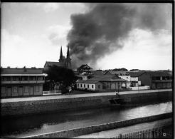 Honolulu_Chinatown_Fire_of_1900_(12),_photograph_by_Brother_Bertram