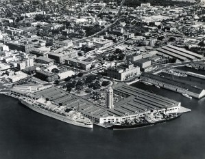 Honolulu_Harbor-Downtown-aerial-1950s