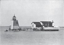 Honolulu_Harbor-early-lighthouse