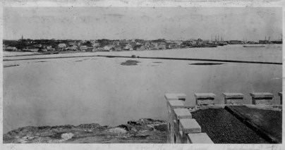 Honolulu_Harbor_from_Prison-PPWD-9-3-016-1865