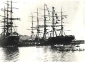 Honolulu_Harbor_in_1900