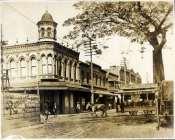 Horse-Drawn_Trolley_on_Honoulu_Street-1900