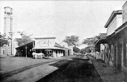 Hotel Street looking toward Waikiki at corner with Fort St-1882