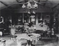 Interior_of_house_at_Ainahau