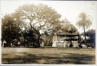 Iolani_Palace_Bandstand-1900
