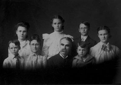 J Leadingham & Family