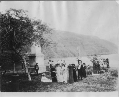Kaawaloa-Kalakaua_at_Kealakekua_Bay