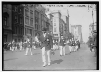 Kahanamoku_in_Olympic_Parade-(LOC)