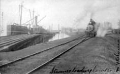 Kalama_SteamerLoadingLogs-PortOfKalamaFerrydock