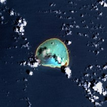 Kure Atoll, Northwestern Hawaiian Islands - Satellite image from USGS' Landsat7 Satellite-(WC)