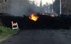 Leilani Estate fissure-eruption-flow on roadway