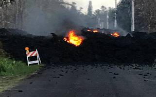 Leilani Estate fissure-eruption-flow on roadway