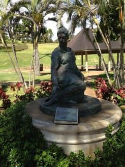 Ma Manuhii-statue