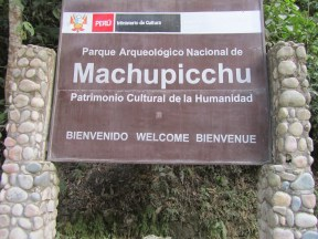 Machu Picchu welcome sign