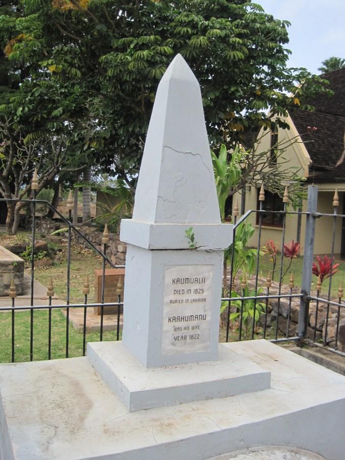 Maui-Lahaina-Waiola_Cemetery-Kaumualii