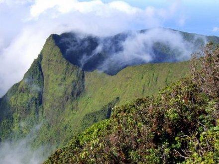 Maui-Puu Kukui-summit area