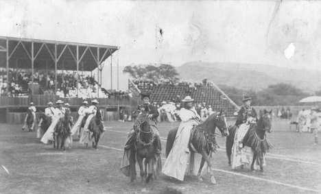 Moiliili Field-Pau Riders-1900-1910