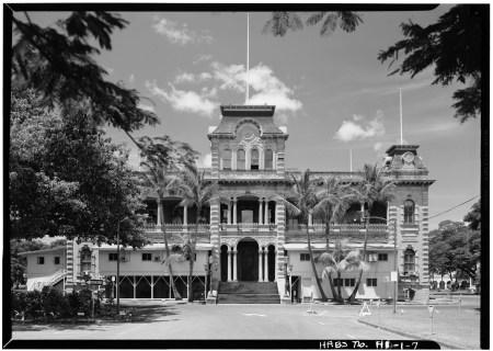 NORTHEAST_FACADE_-_Iolani_Palace-LOC