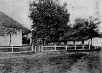 Punahou-Girls-Court-of-the-E-Building-1877