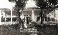 Queen_Emma_Summer_Palace_(Hanaiakamalama) circa 1890