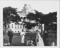 Queen_Kapiolani_on_the_Iolani_Palace_grounds with Antoinette Swan-(PP-97-14-016)