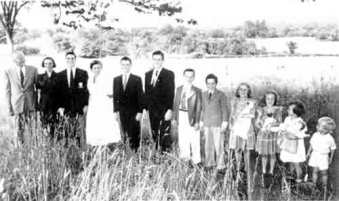 ROSE AND HARRY'S FAMILY AT HOME IN SALEM CONNECTICUT (circa 1953)
