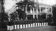 Royal_Guards-Washington_Place,_circa_1890