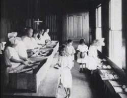 Socialization and food preparation-Castle Memorial Kindergarten-Castle-1910